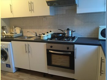 EasyRoommate UK - 3 STUNNING double rooms in CANARY WHARF, Isle of Dogs - £600 pcm