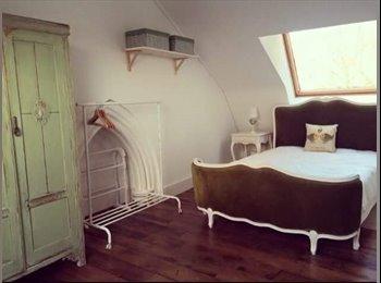 EasyRoommate UK - Ensuit double bedroom , Poplar - £900 pcm