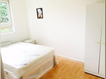 EasyRoommate UK - Double Room 2 min from All Saints DLR station , Poplar - £700 pcm