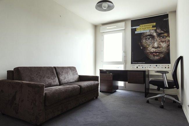 colocation la plaine saint denis chambre 13m2 en colocation 460 cc appartager. Black Bedroom Furniture Sets. Home Design Ideas