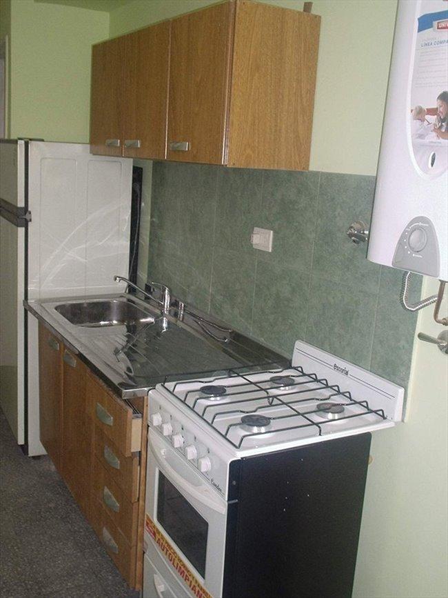 Habitacion en alquiler en Buenos Aires - DEPTO SOLO PARA SRTAS JOVENES QUE  ESTUDIEN Y/O TRABAJEN | CompartoDepto - Image 2