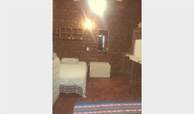 Habitacion en alquiler en Buenos Aires - Ofrezco gran habitación individual y amplio jardín | CompartoDepto - Image 3