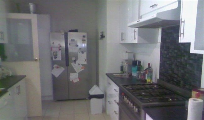 Room to rent in Araluen - Large House for Easy Going Professionals - Image 5