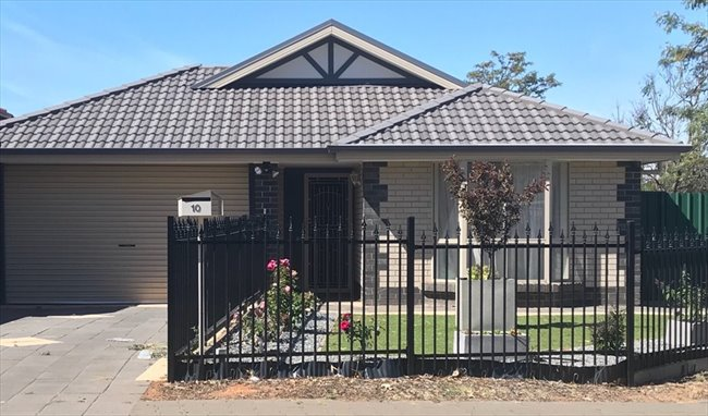 Room to rent in Elizabeth Town - Housemate Wanted! - Image 1