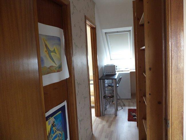 Colocation à Braine-l'Alleud - 1 chambre sympa et SDD ds maison privée avec coin restauration non fumeur  | Appartager - Image 3