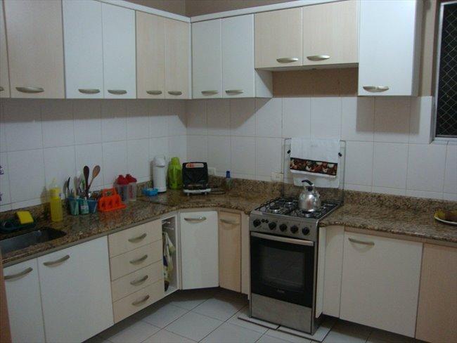 Aluguel kitnet e Quarto em Curitiba - Temos um quarto vago | EasyQuarto - Image 2