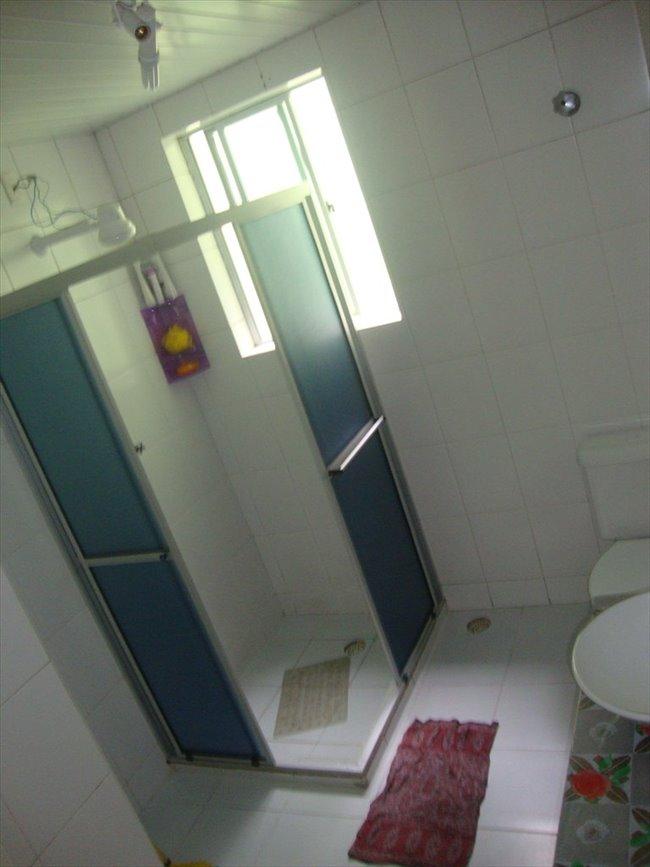 Aluguel kitnet e Quarto em Curitiba - Temos um quarto vago | EasyQuarto - Image 4