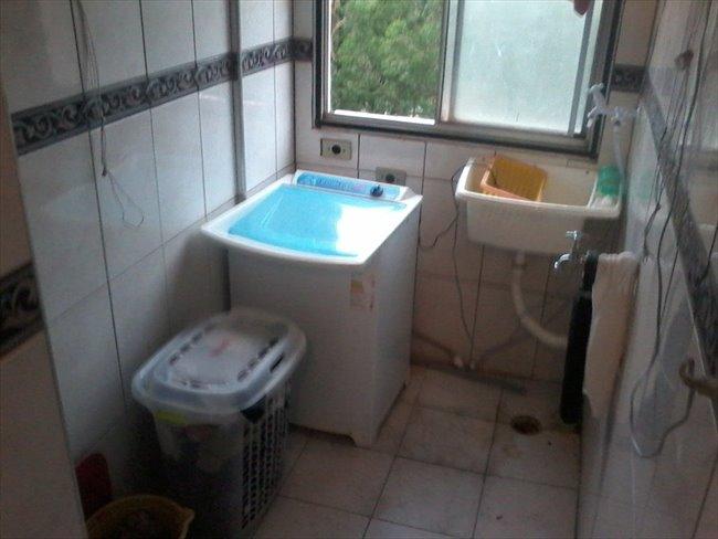 Aluguel kitnet e Quarto em Santo Amaro - Suites com banheiro privativo em Santo Amaro, de  10 mts, mobiliadas, somente para  mulher | EasyQuarto - Image 4