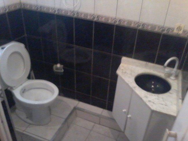 Aluguel kitnet e Quarto em Santo Amaro - Suites com banheiro privativo em Santo Amaro, de  10 mts, mobiliadas, somente para  mulher | EasyQuarto - Image 6