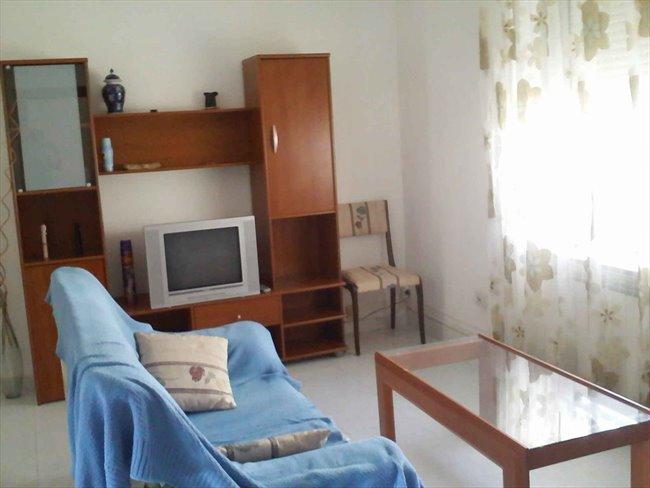 Piso Compartido en Valladolid - Alquilo habitacion (piso compartido) a estudiante | EasyPiso - Image 1