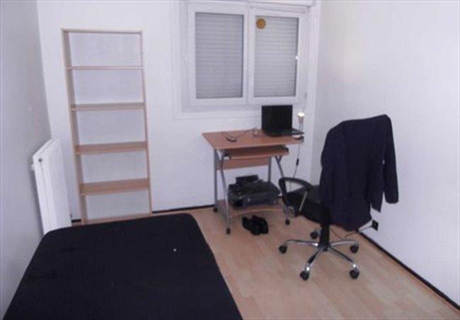 Colocation cergy location chambre 450 euros cergy for Chambre a louer cergy