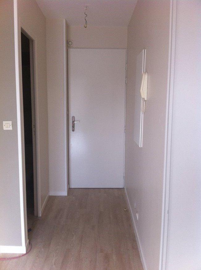 colocation argenteuil studio a louer vide coteaux argenteuil appartager. Black Bedroom Furniture Sets. Home Design Ideas
