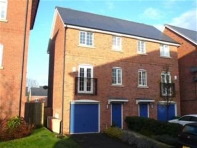 Room to rent in Stoneclough - Large double room, own bathroom, Ringley Lock,Whitefield. - Image 6