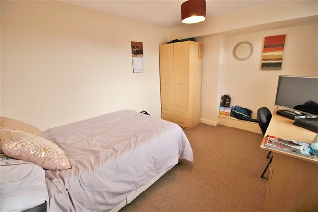 Room to rent in Headingley - SUPERB HOUSE SHARE CENTRAL HEADINGLEY BILLS INCLUDED - Image 2