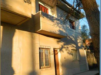 CompartoDepto AR - ALQUILO CASA BARRIO ESCALANTE - Z/BOTANICO, Santa Fe de la Vera Cruz - AR$ 6.000 pm