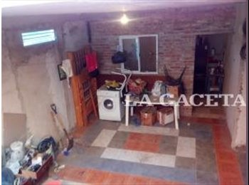 CompartoDepto AR - comparto dpto Avellaneda - BS AS $ 3000, Quilmes - AR$ 3.000 pm