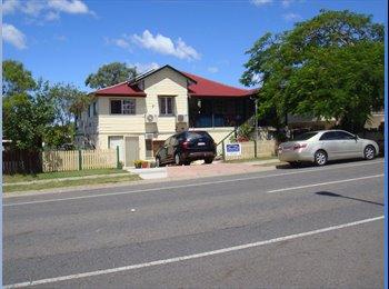 EasyRoommate AU - Fabulous new s/c apartment, Woodridge - $200 pw