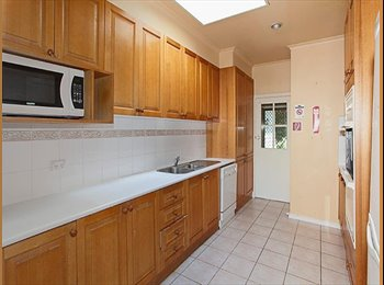 EasyRoommate AU - 4 BEDROOMS  AVAILABLE IN SHAREHOUSE MINUTES FROM DEAKIN UNI!, Forest Hill - $140 pw