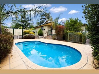 EasyRoommate AU - Fully furnished room, great location , Ivanhoe - $350 pw