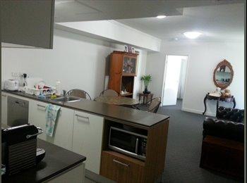 EasyRoommate AU - Masterbedroom in Brisbane city, Brisbane - $350 pw