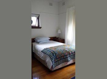 EasyRoommate AU - Modern! Spacious ! Fantastic location - transport, Kew - $290 pw