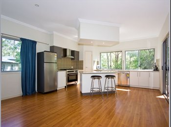 EasyRoommate AU - HUGE BUSHLAND HOME - FOREST LAKE-BILLS INCLUDED, Greater Springfield - $190 pw