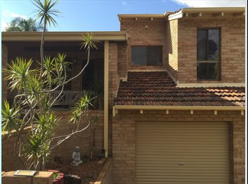EasyRoommate AU - MASTER BEDROOM, ENSUITE AND SINGLE ROOM NEXT DOOR, Beaconsfield - $195 pw