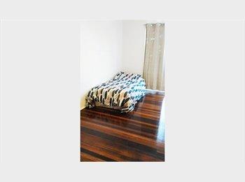 EasyRoommate AU - Big Double bedroom for single, Robertson - $155 pw