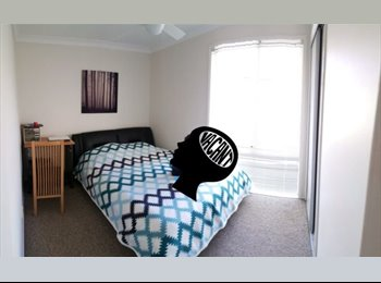 EasyRoommate AU - Looking for nice respectful flatmate, Southport - $150 pw