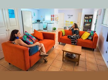 EasyRoommate AU - Girls only relaxed sharehouse - student special, Cairns - $130 pw