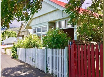 EasyRoommate AU - Huge sunny room + study to rent in Sandy Bay $200p/w, Hobart - $200 pw