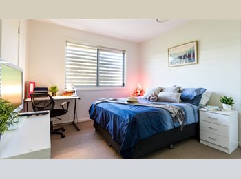 EasyRoommate AU - Luxurious Student Accomodation, Red Hill - $215 pw
