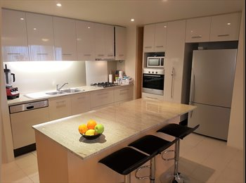 EasyRoommate AU - Modern 3 bedroom apartment just for you and me , Southport - $360 pw