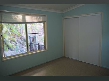 EasyRoommate AU - Huge room in funky house with ocean views!! , Sunshine Coast - $200 pw