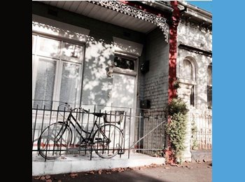 EasyRoommate AU - Sunny room in Carlton ☀️ Couple or single, Collingwood - $286 pw