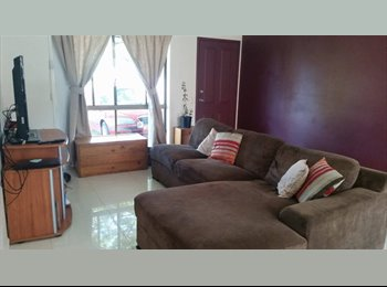 EasyRoommate AU - Shared furnished duplex, Southport - $180 pw