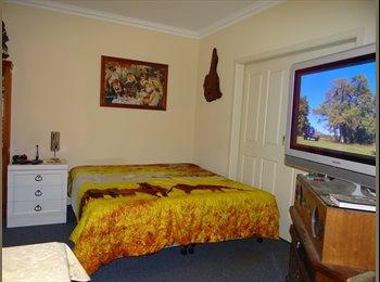 EasyRoommate AU - Pine Lodge House, Blackwood - $150 pw