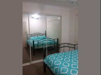EasyRoommate AU - Private furnished room in great location!, Gold Coast - $175 pw