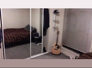 EasyRoommate AU - Looking for easy going roomate!!!, Parkville - $235 pw