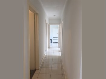 EasyRoommate AU - Immaculate, clean fully furnished house, minutes walk to Flinders University, Lynton - $150 pw