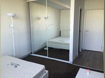 EasyRoommate AU - Flinders st Master room with ensuite , Melbourne - $330 pw