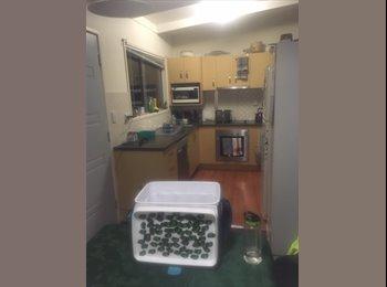 EasyRoommate AU - Seeking 2 housemates for home in Springwood, Springwood - $150 pw