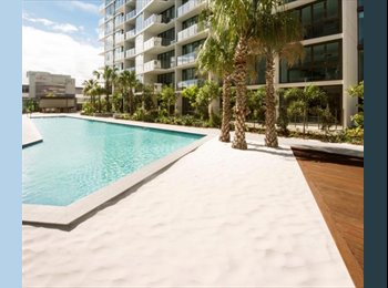EasyRoommate AU - Own room and bathroom in brand new furnished apartment Newstead, Newstead - $220 pw