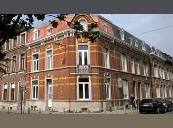Appartager BE - A 5' à pied du Barbou et de Saint Luc ou 5' en bus d'Hazinelle et HEC, Liège - 350 € pm