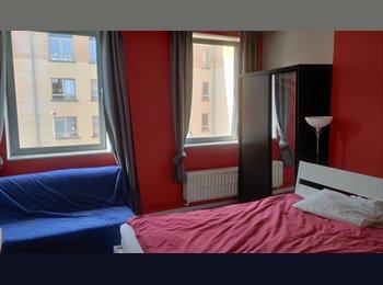 Appartager BE - Room in nice house in Etterbeek near Place Jourdan, Etterbeek - 450 € pm