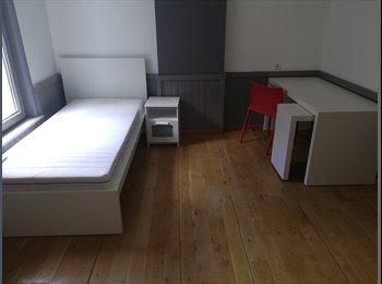 Appartager BE - Chambres à louer la Louvière centre , La Louvière - 350 € pm