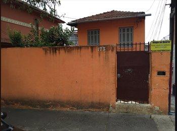 EasyQuarto BR - Casa Próximo ao metrô Vergueiro, São Paulo - R$ 450 Por mês