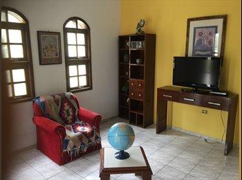 EasyQuarto BR - Quarto mobiliado amplo em casa familiar, Sorocaba - R$ 500 Por mês