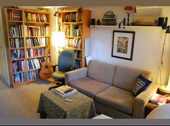 EasyRoommate CA - Minutes from Parliament, flexible move-in dates, Ottawa - $750 pcm