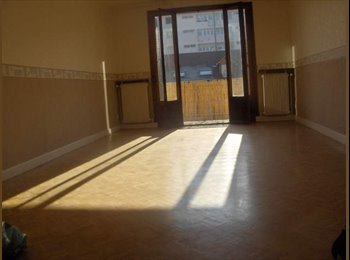EasyWG CH - 1 chambre meublée, in appartement meublé 96 m2, Genève - 320 CHF / Mois